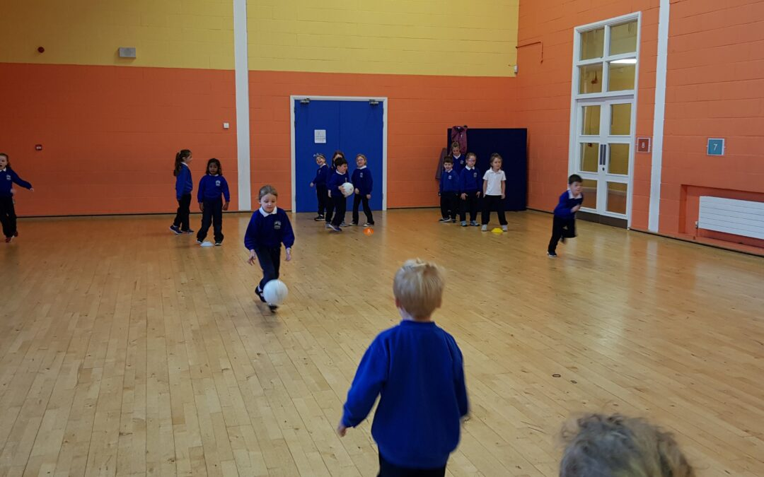 Gaelic footbal skills in Senior Infants